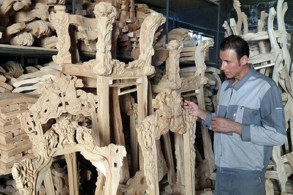 داغ گرانی مواد اولیه بر پیشانی شهر جهانی «مبل منبت»/ صنعت مبلمان ملایر چشم انتظار حمایت است