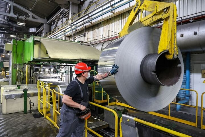 صدور ۱۵۰۰ مجوز تأسیس واحد تولیدی در استان همدان