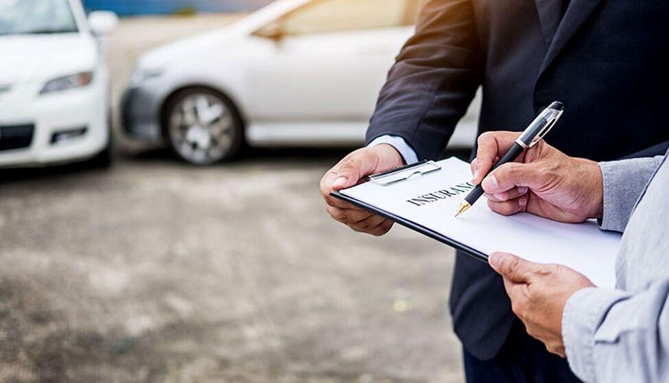ارزانترین بیمه خودرو یا گرانترین؟ کدام بیمه را در 1400 بخریم؟