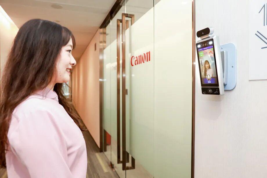 نصب دوربین های کنترل لبخند در شرکت های چینی
