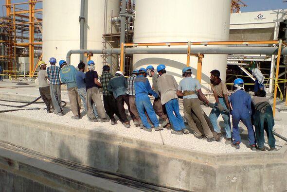 گرمای روزگار، بی مهری پیمانکار؛ بانی روزهای سخت کارگران| ۲۵ تیم ویژه بازرسی، وارد پارس جنوبی میشوند