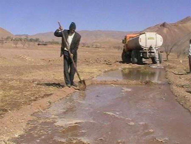«آب» از سر گرانی گذشت؛ بهای تانکر آب به ۳۰۰ هزار تومان رسید