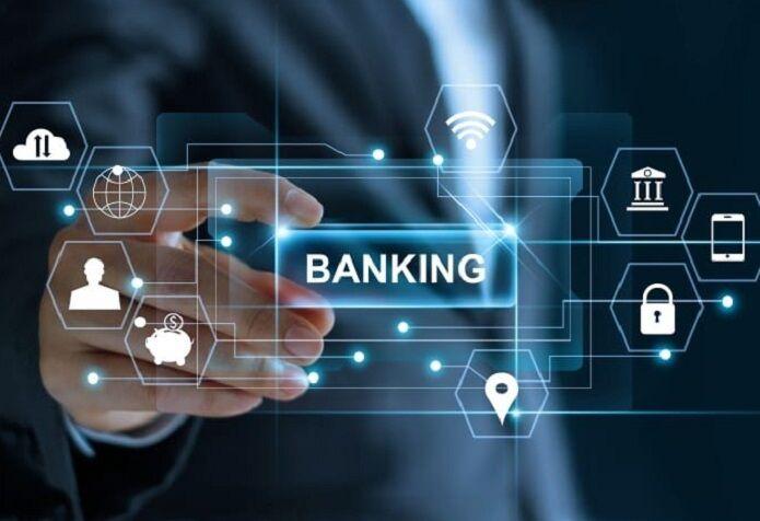 تعداد مراجعه روزانه به شعب الکترونیک بانکها چه میزان است؟