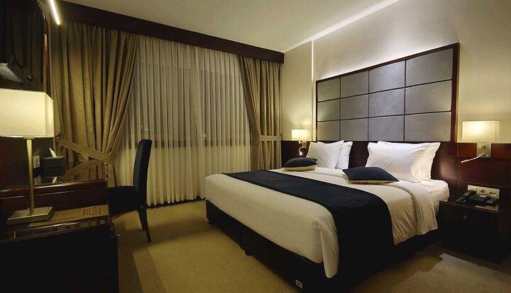 «برق مشکلات» هتل داران را گرفت؛ چراغ بیفروغ مراکز اقامتی خاموش میشود