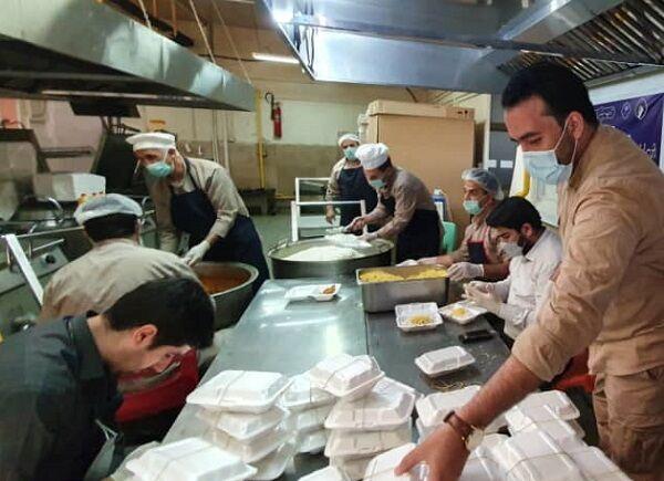پخت و توزیع ۱۰۰ هزار پرس غذای گرم بین نیازمندان در آذربایجان شرقی