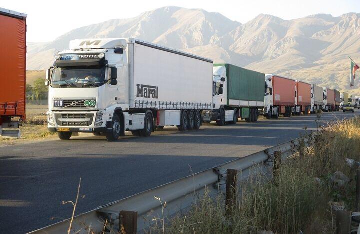 بازگشایی مرز نوردوز  مشکل تردد کامیونها به ارمنستان حل شد