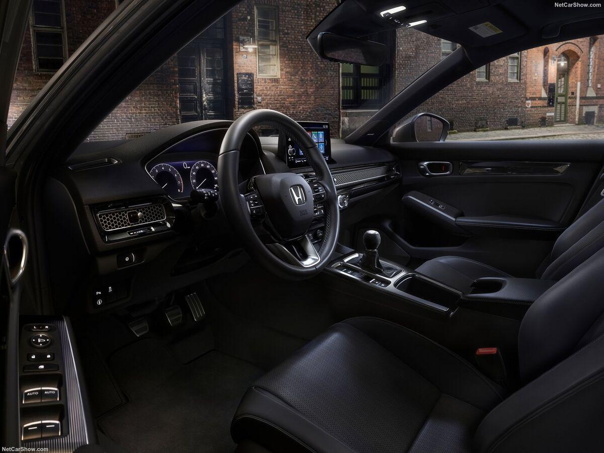 نگاهی به محصول پر فروش دومین خودروساز ژاپنی  چرا هوندا سیویک در دنیا محبوب است؟