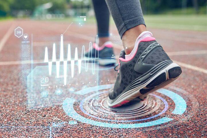 آینده بازار جهانی انواع کفش به روایت آمار  ۴۸ درصد جوانان از پوشیدنی های هوشمند استفاده می کنند