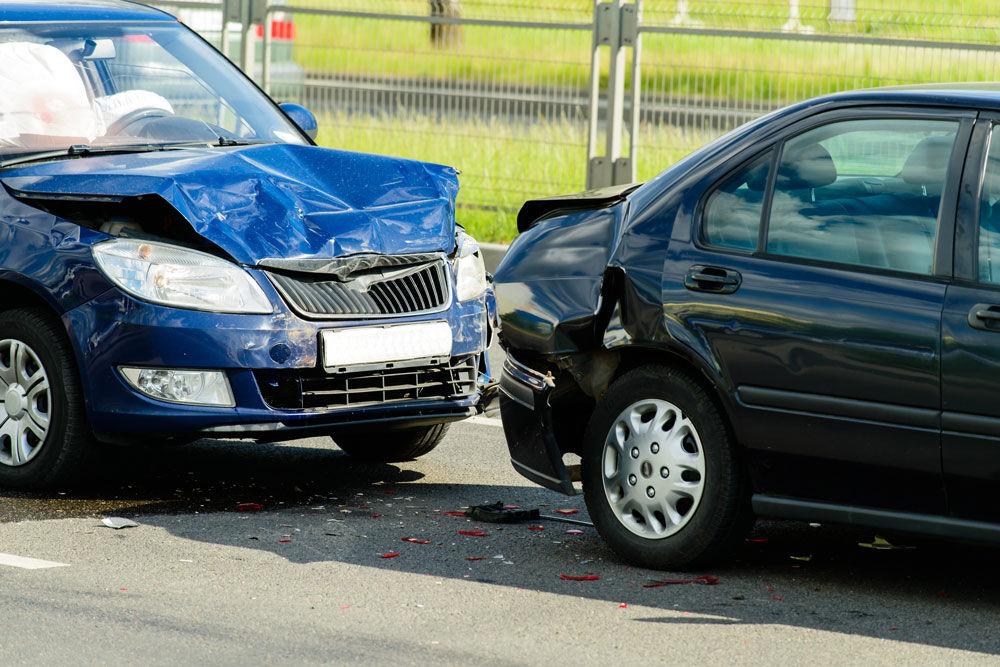 توضیح بیمه مرکزی درباره تصادف بدون گواهینامه و دریافت خسارت از بیمه