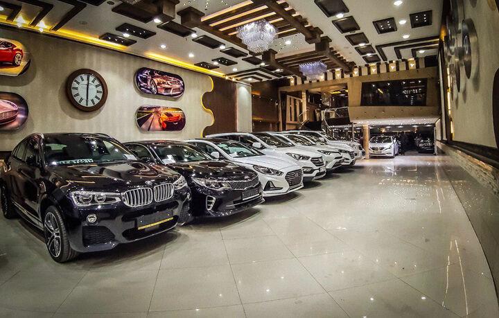 کاهش ۲۰۰ میلیون تومانی قیمت خودروهای وارداتی| نوسان فراوان امروز در بازار رقم خورد