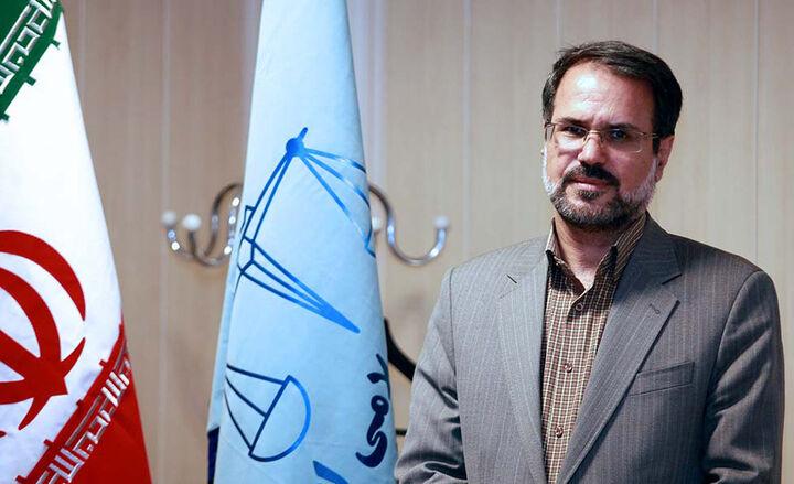 مجلس درباره اختلاف نظرها در بحث برگ سبز خودرو ورود کند