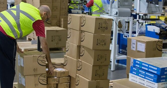 نقشهای جدید برای پستچیها؛ نبض بازار کار و مرغ در دست چاپارهای دیروز