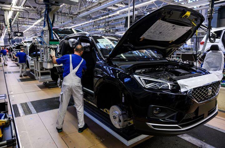 ضرر ۲۱۰ میلیارد دلاری صنعت خودرو جهان| کمبود تراشه اقتصاد خودرو سازی را نابود می کند؟