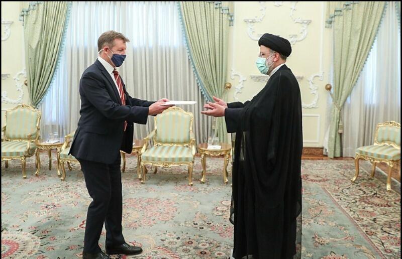 ایران با همه کشورها بنای همکاری دارد