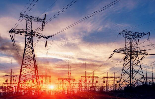 تبدیل ۵۰۰ کیلومتر شبکه مسی برق استان همدان به کابل خودنگهدار