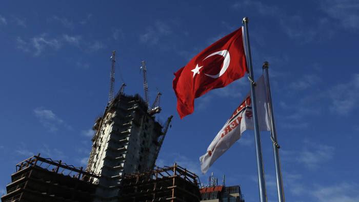 بهبود ساخت و ساز در ترکیه؛ سرمایه گذاری در تجدیدپذیرها و آموزش| بازگشت به سطح ۲۰۱۷  آسان نیست