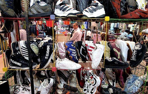 جولان تاناکوراها در فصل پائیز   بازار البسه دستدوم داغ شد