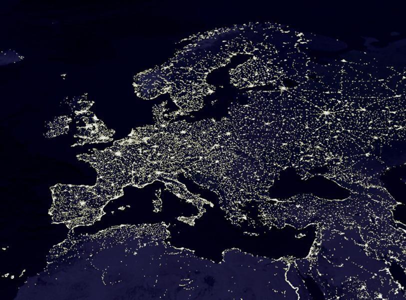 آیا انرژی کانون بحران اقتصادی جدید است؟    روش چینی کاهش مصرف برق؛ از آسانسو استفاده نکنید