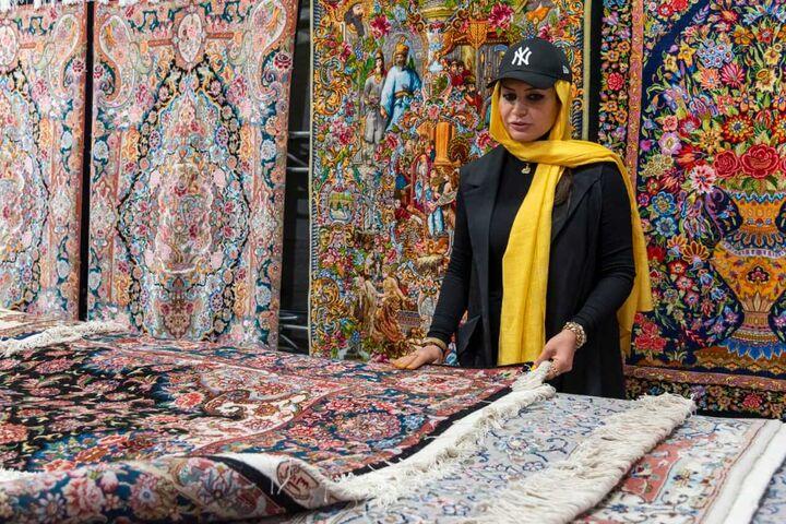 بازدید و حمایت بانوی کارآفرین از نخستین نمایشگاه مشاغل خانگی کشور در کرج
