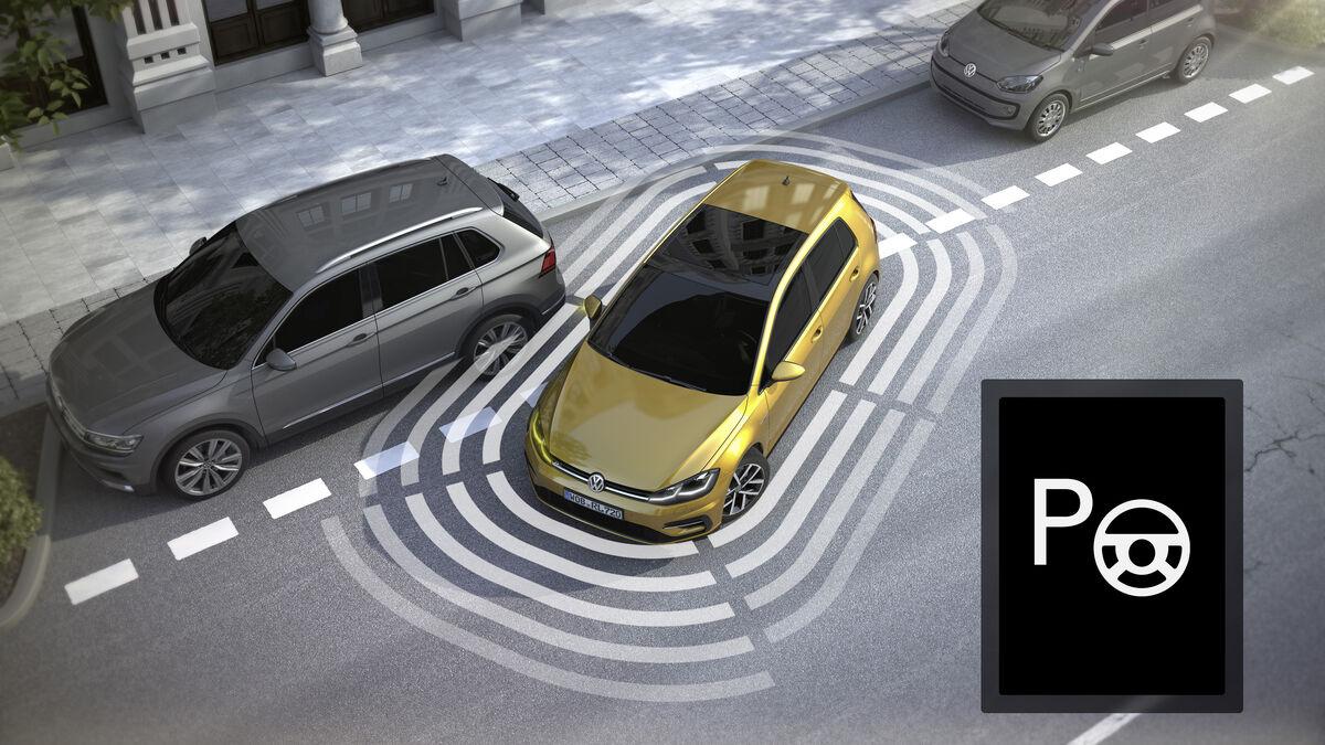 کدام آپشن های روز بازار خودرو پر طرفدار هستند؟   نبود فناوری روز در تولیدات داخلی