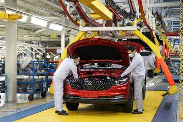خودروسازان خصوصی زیر فشار دولتی ها| بیشترین آمار تولید متعلق به کیست؟